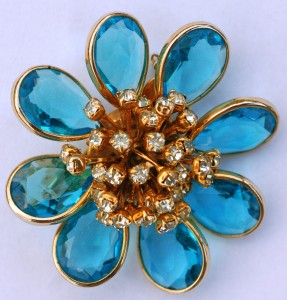 vintage aqua glass and clear rhinestone pin brooch